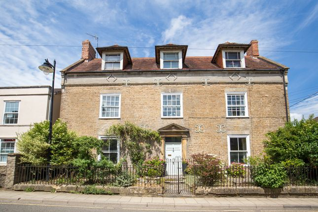 4 bedroom detached house for sale in Bruton, Somerset