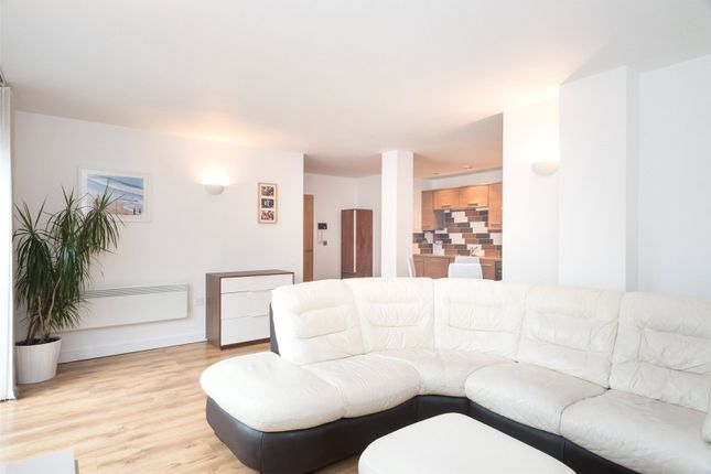 Thumbnail Flat to rent in Waterloo Court, 17 Hunslet Road, Leeds, West Yorkshire