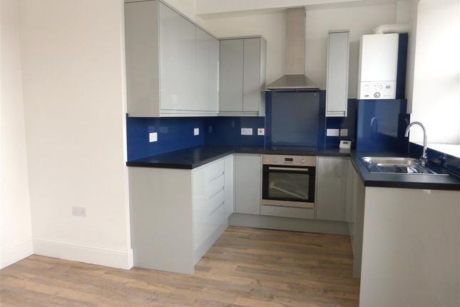 Thumbnail Flat to rent in Kemyell Place, Plymouth