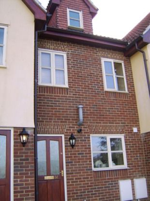 Thumbnail Town house to rent in Carrington Road, High Wycombe