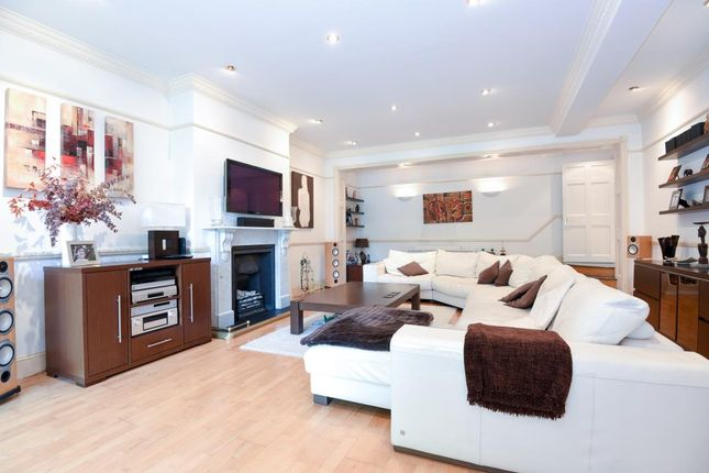 Thumbnail Flat for sale in Langland Gardens, Hampstead