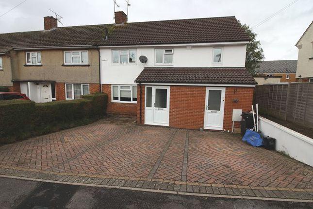 Thumbnail Flat to rent in Lincoln Close, Keynsham, Bristol