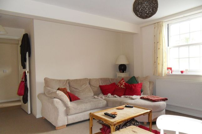 Thumbnail Flat to rent in The Hollies, Chipping Norton