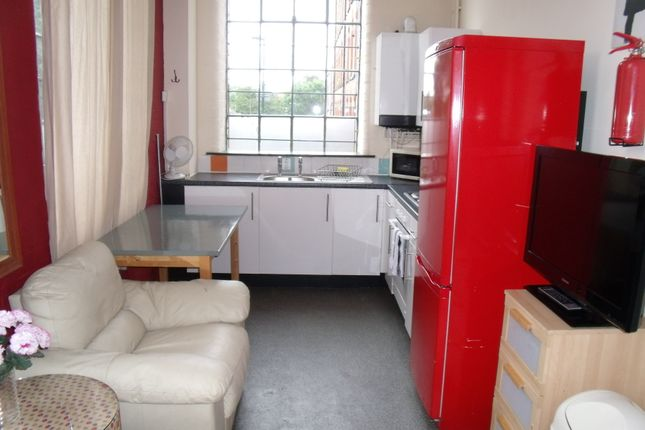 Thumbnail Flat to rent in Russell Street, Arboretum