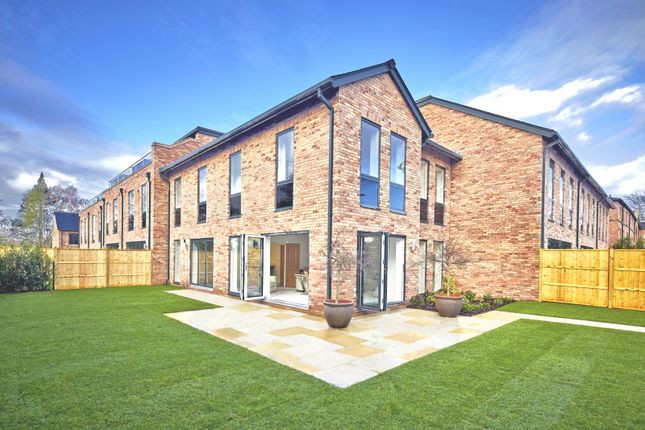 Thumbnail Mews house to rent in Alderley Park, Alderely Edge