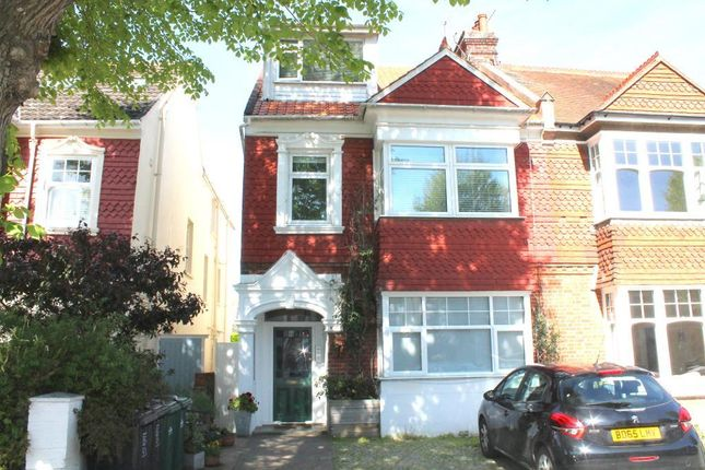 Thumbnail Flat to rent in Rutland Gardens, Hove