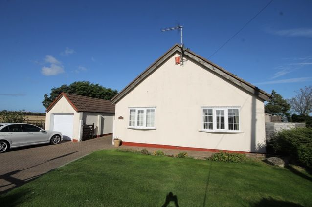 3 bed detached bungalow for sale in Royal Oak, Filey