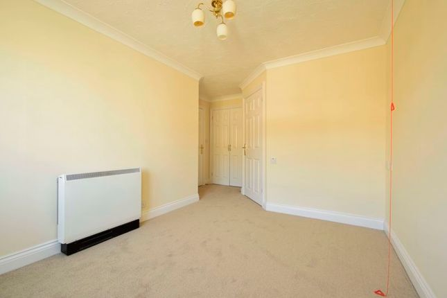 Bedroom of Stafford Road, Caterham CR3