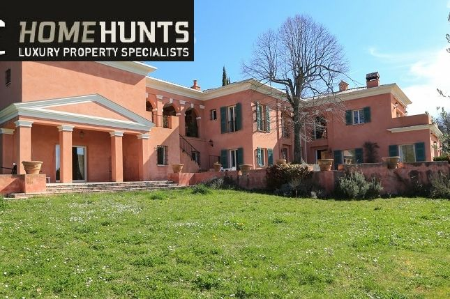 Property for sale in Berre Les Alpes, Alpes-Maritimes, France