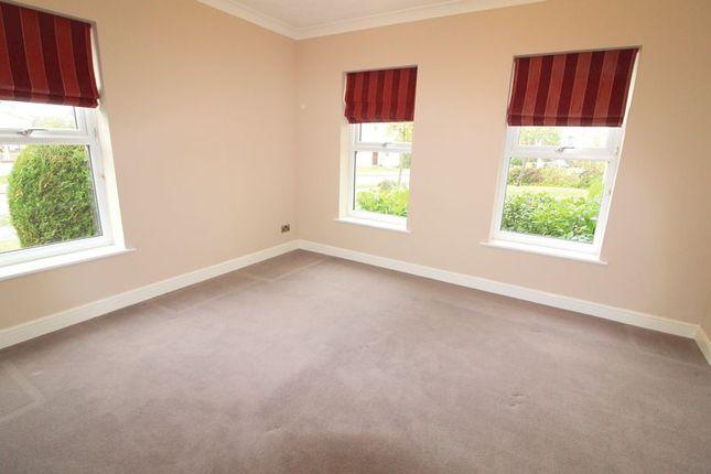 Thumbnail Flat to rent in Pipit Gardens, Aylesbury