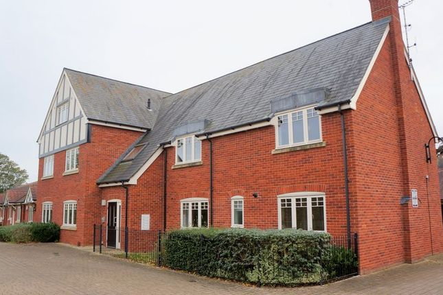 Thumbnail Flat to rent in Bridle Court, Hempsted, Gloucester