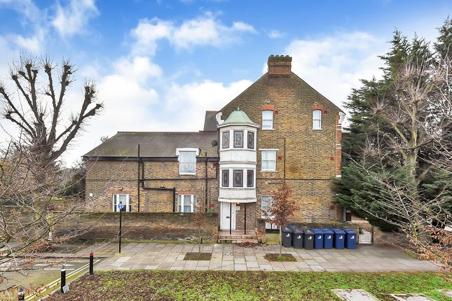 2 bed terraced house to rent in Hanger Lane, Ealing W5
