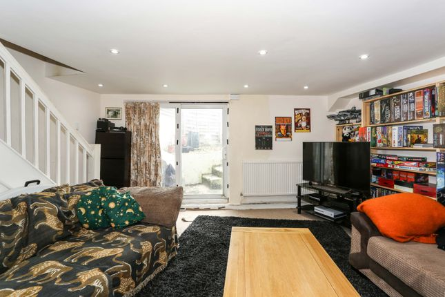 Thumbnail Flat for sale in Purley Way, Croydon