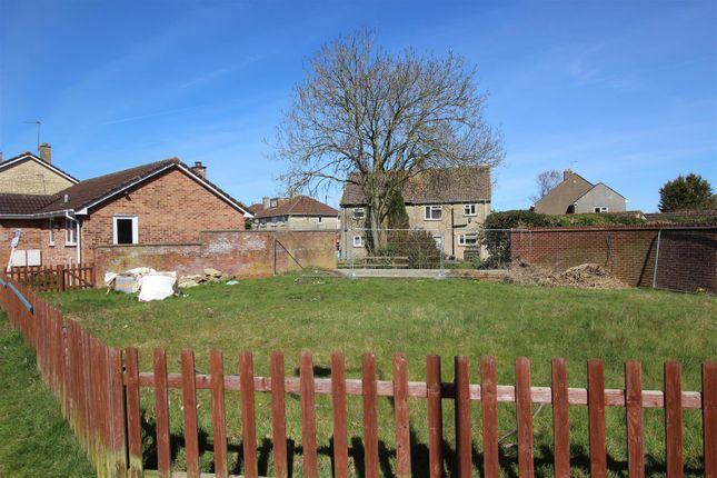 Thumbnail Bungalow for sale in Crown Close, Pewsham, Chippenham
