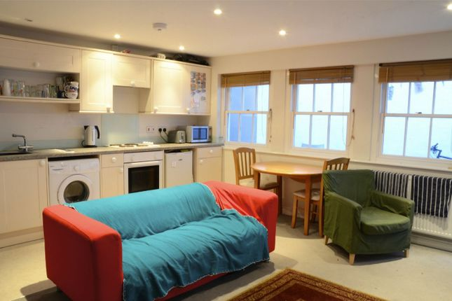 Flat to rent in Church Street, Falmouth