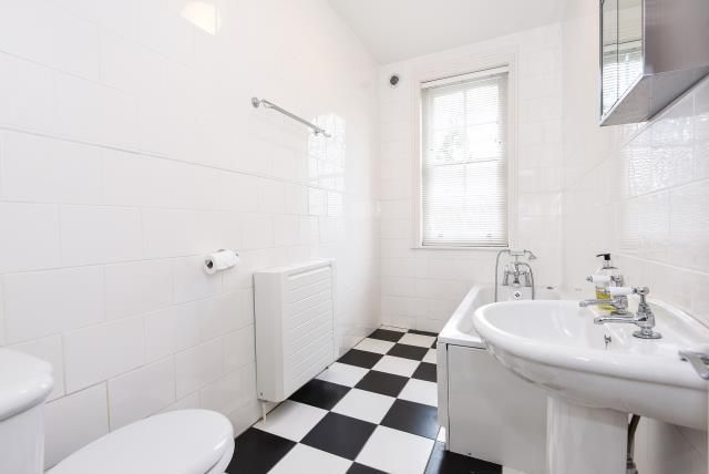 Bathroom of Coley Hill, Reading RG1
