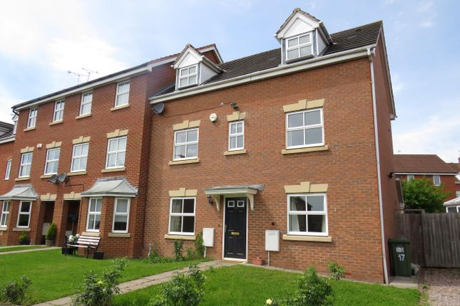 Thumbnail Property to rent in Farzens Avenue, Chase Meadow Square, Warwick