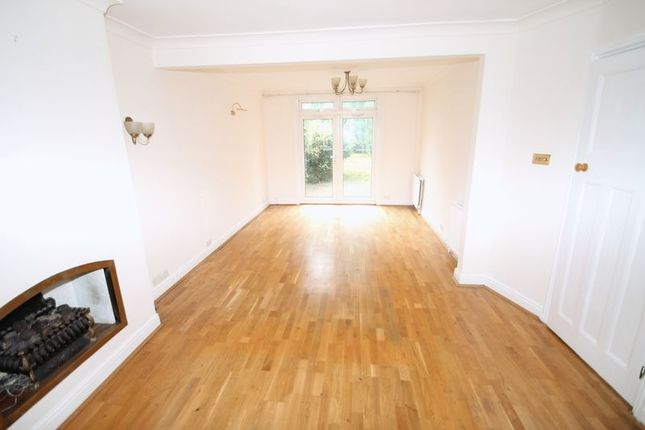 5 bed semi-detached house to rent in View Close, Harrow