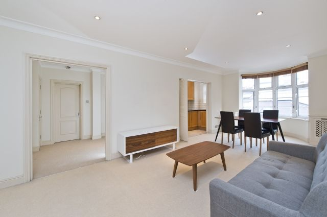 2 bed flat to rent in William Court, 6 Hall Road, St Johns Wood, London