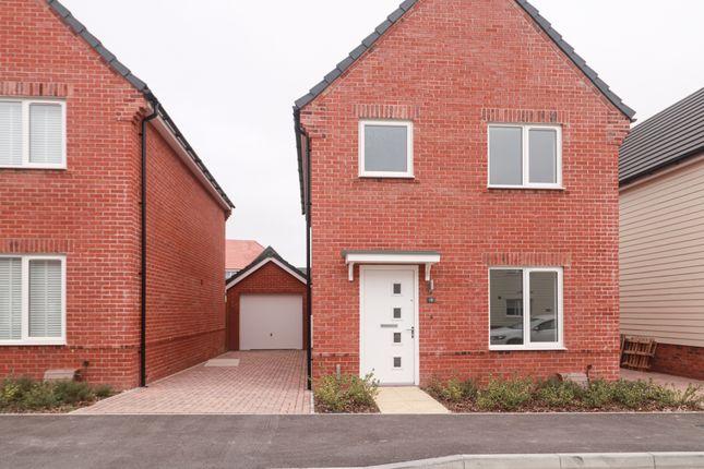 3 bed detached house to rent in Tweed Road, Andover SP11