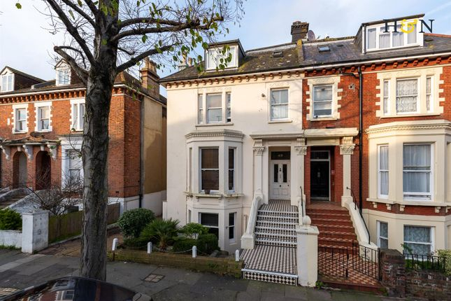 Thumbnail Flat for sale in Clarendon Villas, Hove