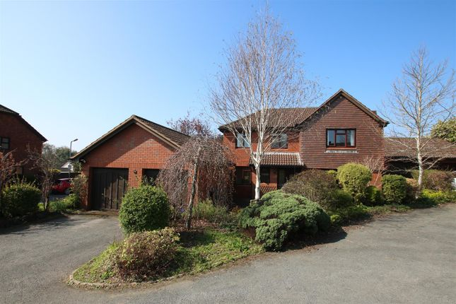 Thumbnail Detached house for sale in Oriole Drive, Exeter
