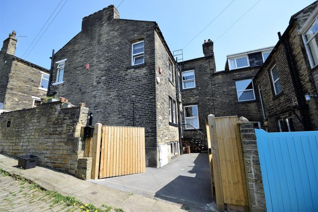Yorkshire Terrace: The Crescent, Hipperholme, Halifax HX3, 5 Bedroom Terraced