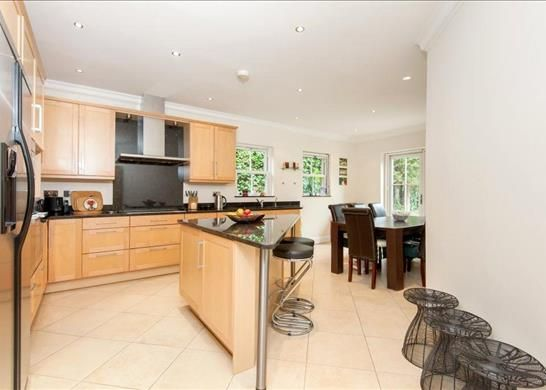 Picture No. 03 of Palace Road, East Molesey, Surrey KT8