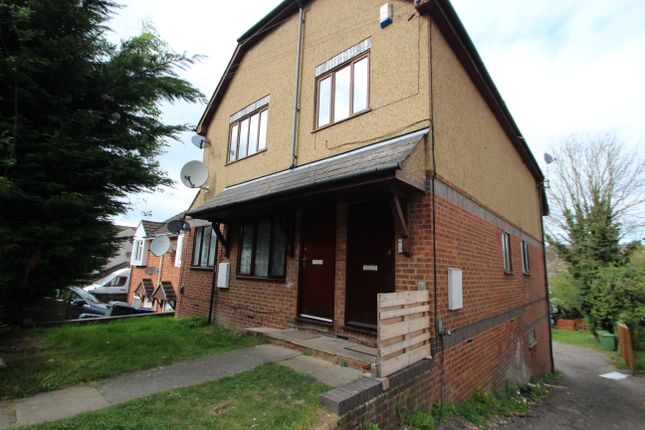 Thumbnail Flat to rent in Kitchener Road, High Wycombe