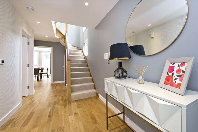 Thumbnail Mews house for sale in 330 Clapham Road, London