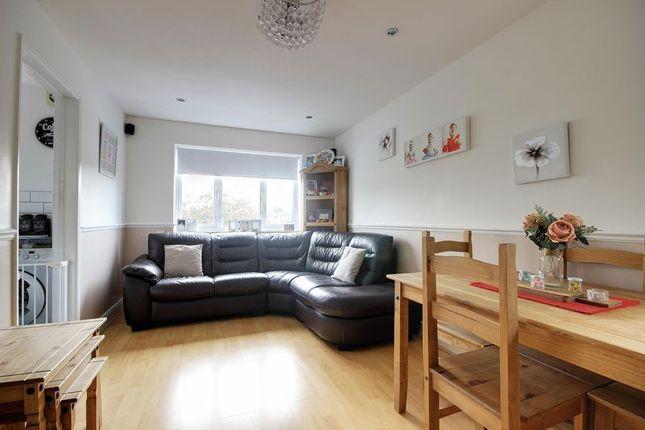 Thumbnail Flat for sale in Glendean Court, Tysoe Avenue, Enfield