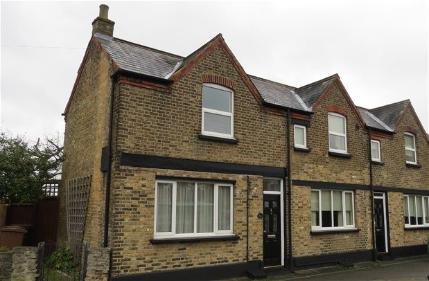 Thumbnail Semi-detached house to rent in Queenswood Road, London