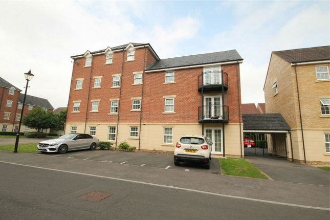 2 bed flat for sale in Old College Road, Newbury, Berkshire