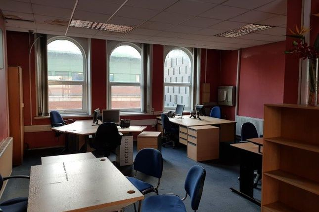 Office to let in Swan Street, Manchester