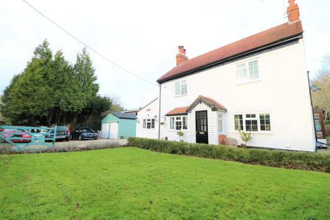 Thumbnail Detached house to rent in Horns Oak Road, Meopham, Gravesend