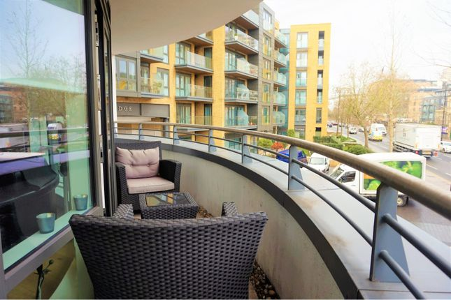 Balcony of 8 Kew Bridge Road, Brentford TW8