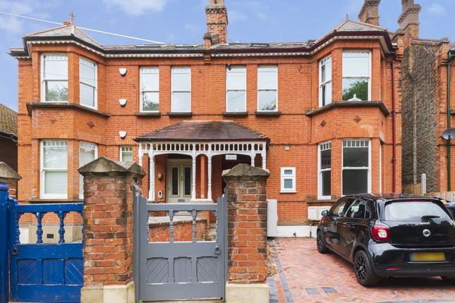 Thumbnail Flat for sale in Hammers Lane, Mill Hill