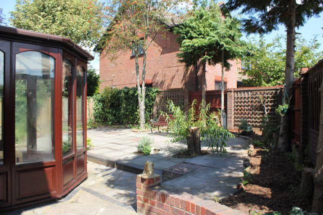 Thumbnail Link-detached house to rent in Balmoral Way, Belmont, Sutton