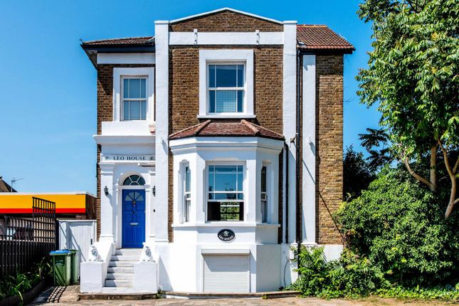Thumbnail Detached house to rent in Portsmouth Road, Surbiton