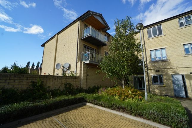 2 bed flat to rent in Heritage Court, Rotherham Road, Sheffield, South Yorkshire S25