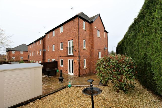 Thumbnail Town house for sale in Badger Close, Hyde, Cheshire
