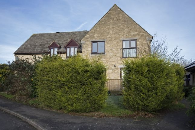 Thumbnail Flat to rent in Thorney Leys, Witney