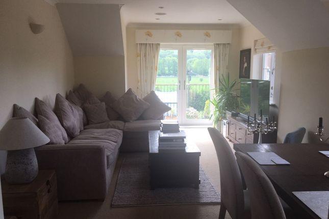 Thumbnail Flat to rent in Kingsdowne House, Godalming, Surrey