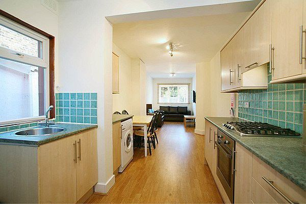 Thumbnail Terraced house to rent in Effingham Road, London