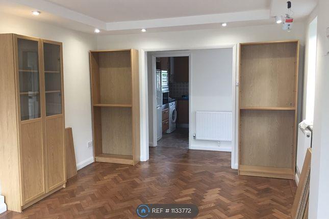 Maisonette to rent in Kinnersley Court, London