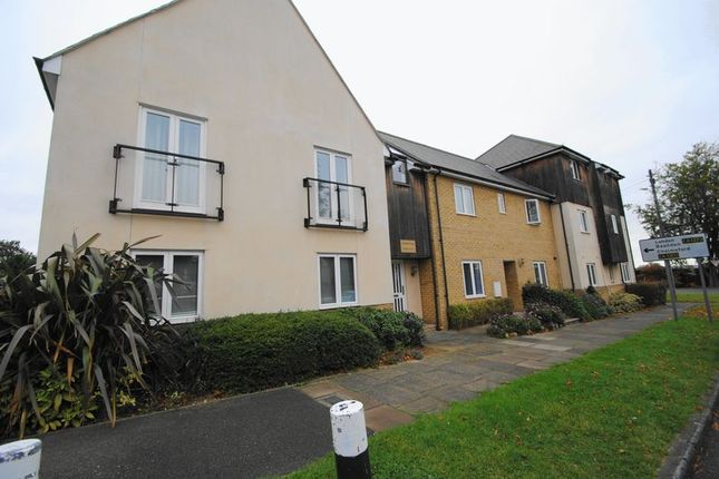 Thumbnail Flat for sale in Jubilee Place, Prince Avenue, Westcliff-On-Sea