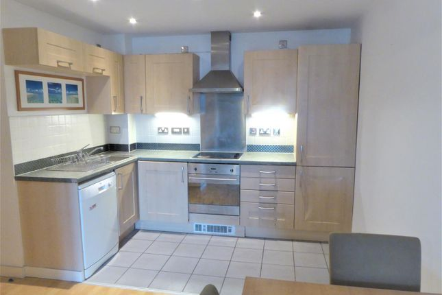 Thumbnail Flat for sale in Queens Dock Avenue, Hull