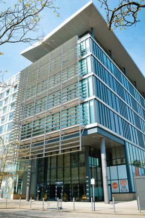 Office to let in Metropolitan House, 5th Floor, 321 Avebury Boulevard, The Hub:Mk, Central Milton Keynes
