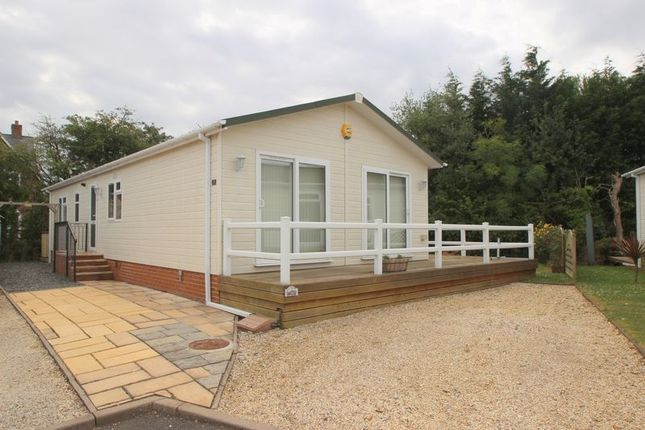 Thumbnail Lodge for sale in Barton Road, Welford On Avon, Stratford-Upon-Avon