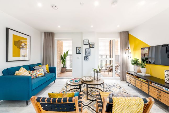 1 bed flat for sale in Matthias Road, London N16